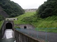 堤体下にある入り口