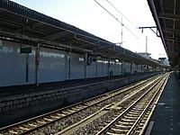 成田駅1番線にはだれもいない
