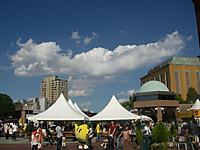 恵比寿麦酒祭2014の会場。中央に福島県のゆるキャラ「キビタン」の姿