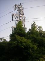 展望台から北を振り返ると高圧送電塔が